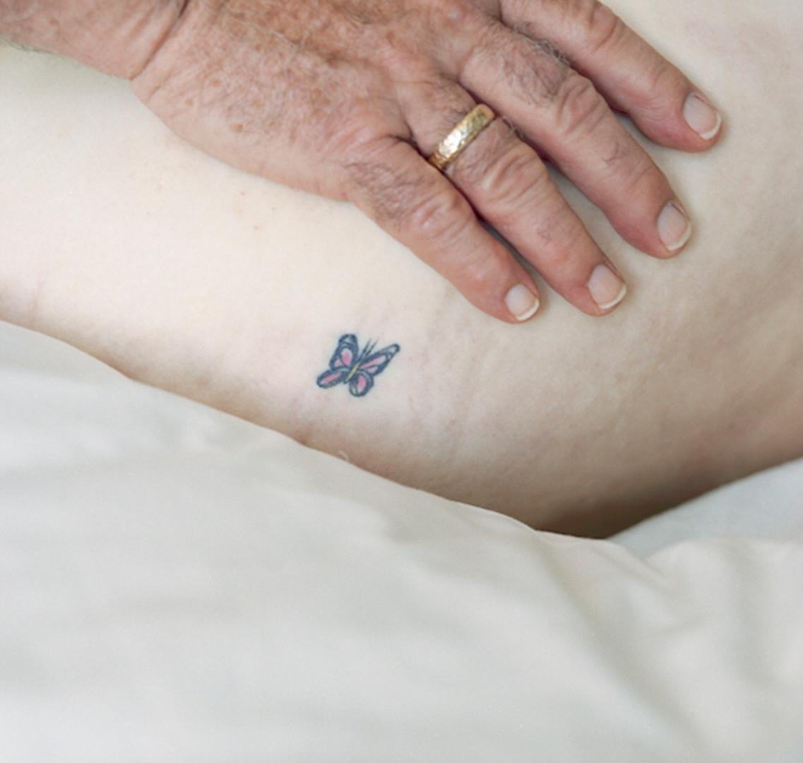 Jocelyn Lee, Untitled (Bob's hand on Mom's tattoo), 2208