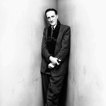 Irving Penn, Marcel Duchamp (Pipe in Hand), New York1948