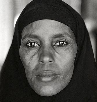 Fazal Sheikh, Abshiro Aden Mohammed, Women's Leader, Somali refugee camp, Dagahaley, Kenya, 2000