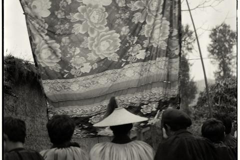 Adou, Funeral, Men, 2006