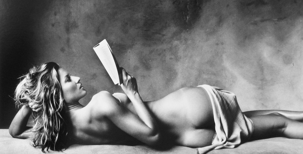 Irving Penn, Gisele Reading (A), New York, 2006