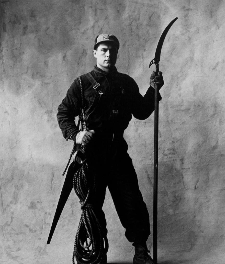 Irving Penn, Tree Climber & Pruner (A), New York, 1951