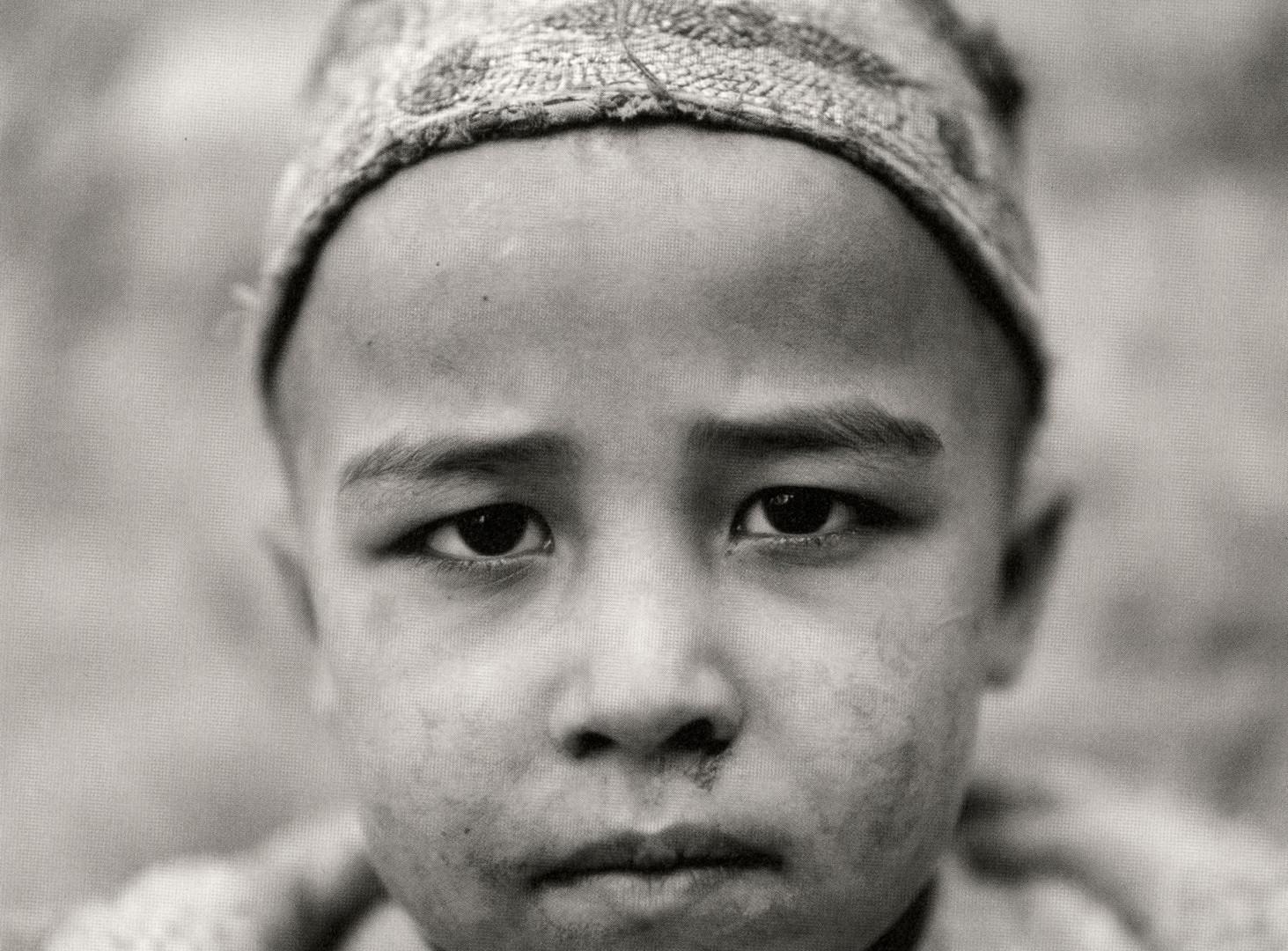 Fazal Sheikh, Afghan child born in exile, Afghan Refugee Village, Khairabad, Northern Pakistan, 1997