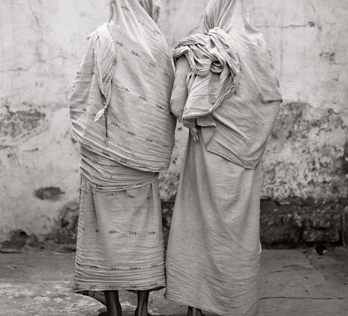 Fazal Sheikh, Sisters, Sadna Goraye ('Worship') and Ranu Bala , 2005
