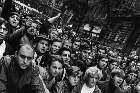 Josef Koudelka, Prague, August 1968