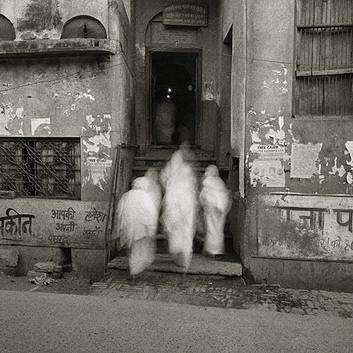 Fazal Sheikh, Bhajan Ashram, Vrindavan, India, 2004