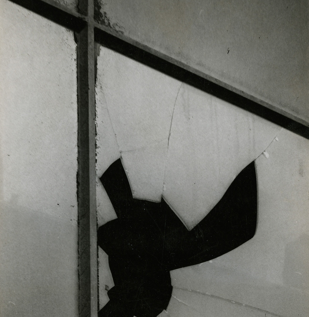 Aaron Siskind, Cracked Glass, 1947