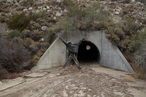 Richard Misrach, Effigy #3, near Jacumba, California / Efigie no. 3, cerca de Jacumba, California, 2009