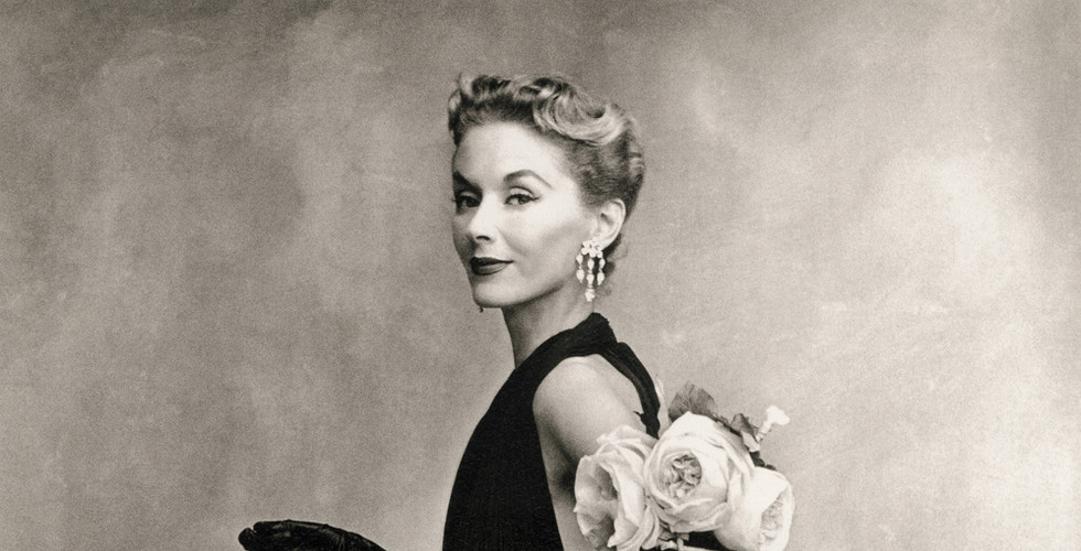 Irving Penn, Woman with Roses (Lisa Fonssagrives-Penn in Lafaurie Dress), Paris, 1950
