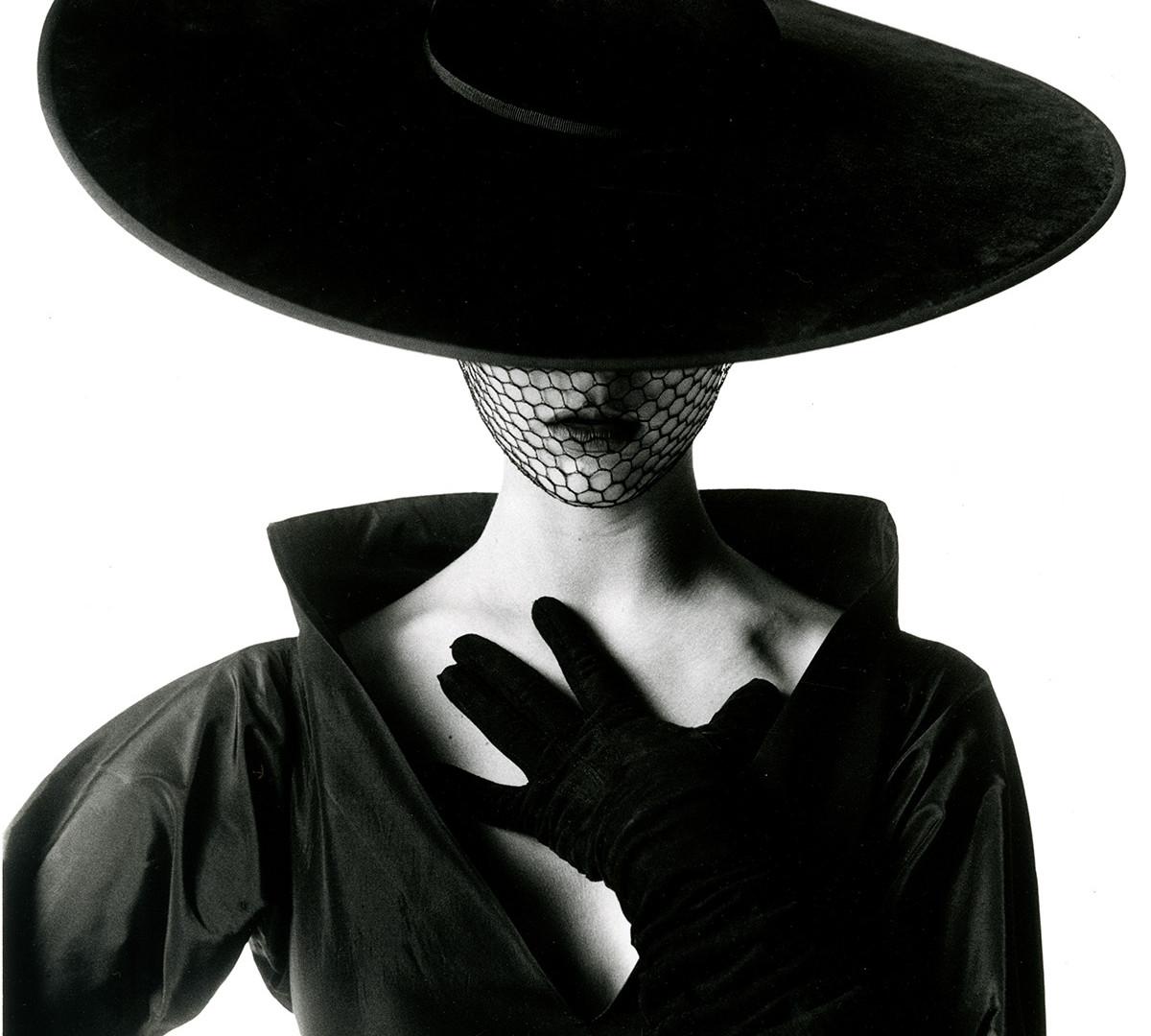 Irving Penn, Fashion Photograph (Jean Patchett) (A), New York, 1949