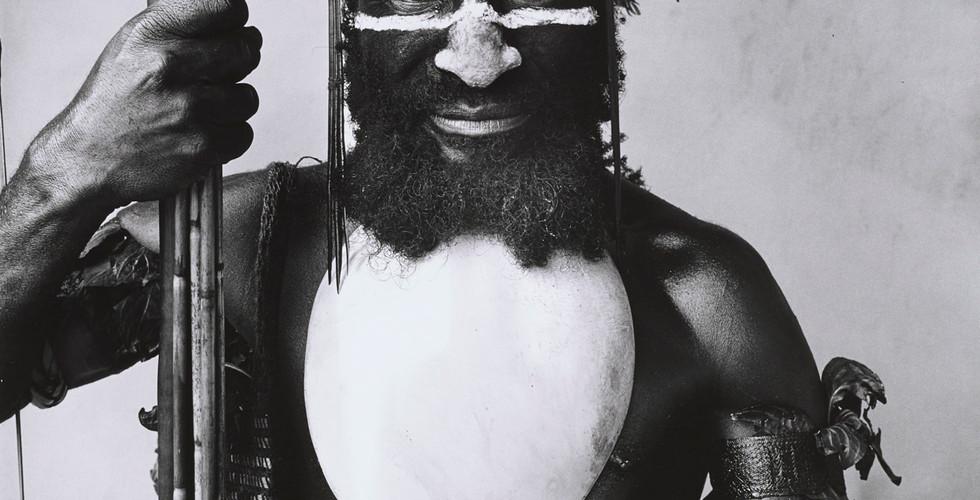 Irving Penn, Tambul Warrior, New Guinea, 1970