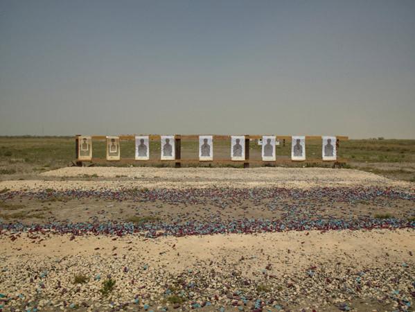 Richard Misrach, Border Patrol target range, Boca Chica Highway, near Gulf of Mexico, Texas / Campo de tiro de la Patrulla Fronteriza, autopista de Boca Chica, cerca del golfo de México, Texas, 2013