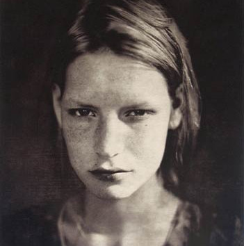 Paolo Roversi, Kristin Crying, Paris, Studio 9 rue Paul Fort, 1990