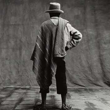 Irving Penn, Man with Poncho over One Shoulder (Back View), Cuzco, 1948