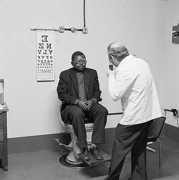 David Goldblatt, Eyesight testing at the Vosloorus Eye Clinic of the Boksburg Lions Club. , 1980
