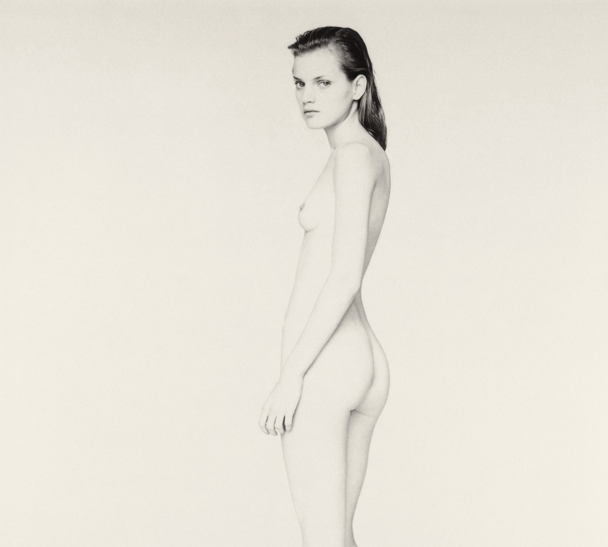 Paolo Roversi, White nude portrait of Guinevere I, Paris, 1996