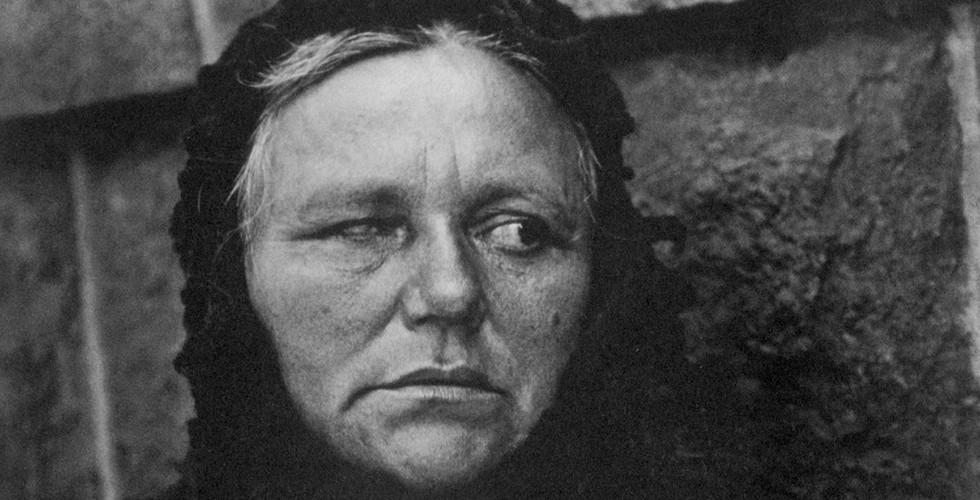 Paul Strand, Blind Woman, New York, 1916