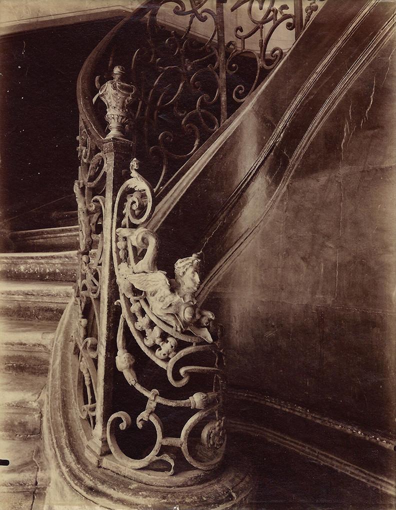 Eugène Atget, Hotel d'Epernon, Rue Vielle du Temple 110, 1901