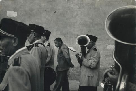 Robert Frank, Parade, Valencia, 1952