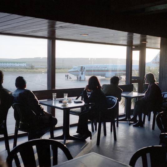 Yto Barrada, Café de l'aéroport (Airport Café), 2010