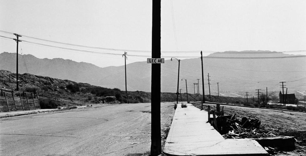 Lee Friedlander, Lee Avenue, Butte, Montana, 1970