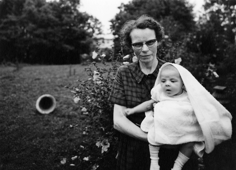Emmet Gowin, Maggie and Donna Jo, Danville, Virginia, 1966