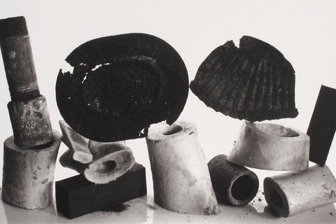 Irving Penn, Composition with Bones and Paper Cup, New York, 1980