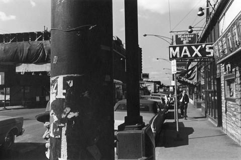 Lee Friedlander, Street Scene (Max's), Chicago, 1972