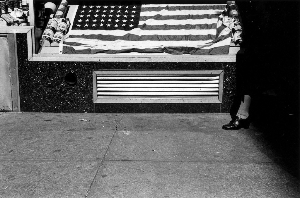 Lee Friedlander, Flag, New York, 1965