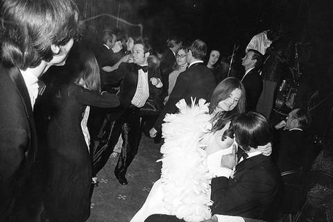 Garry Winogrand, Centennial Ball, Metropolitan Museum, New York, 1969