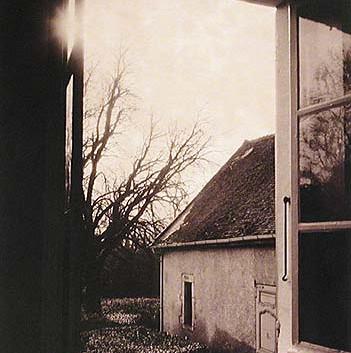Paolo Roversi, La Fenetre, Sain-Loup de Varennes, Maison de Nicephore Niepce, 1999