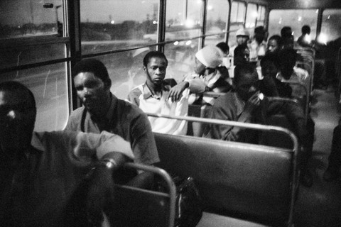 David Goldblatt, 7:00 p.m. Going home: Pulling out of Pretoria. The 7:00 p.m. bus from Marabastad to Waterval in KwaNdebele, 1983