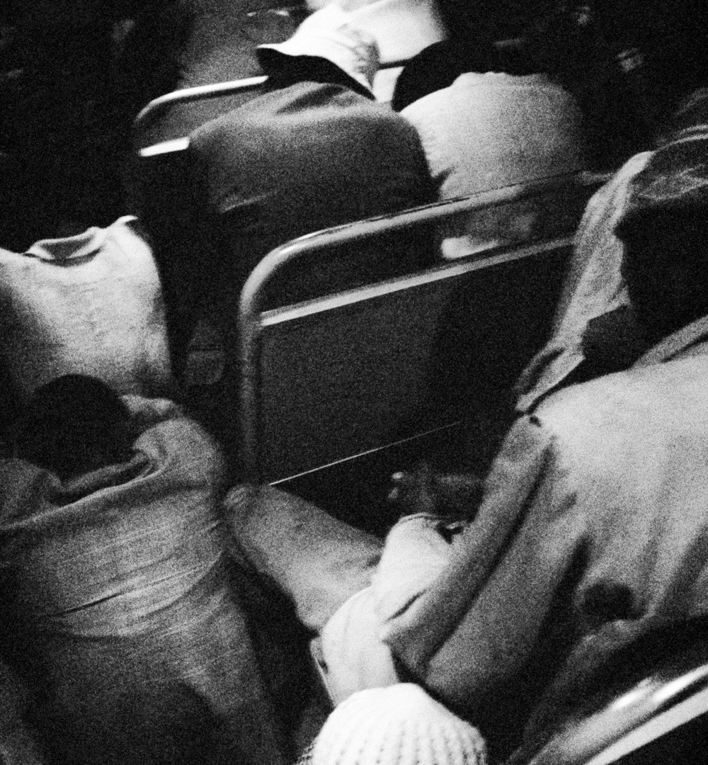 David Goldblatt, 3:45 am. Going to work: Wolwekraal - Marabastad route: those who regularly board at later stops almost never get a seat on the bus: first they stand, then they sit on the floor, 1983