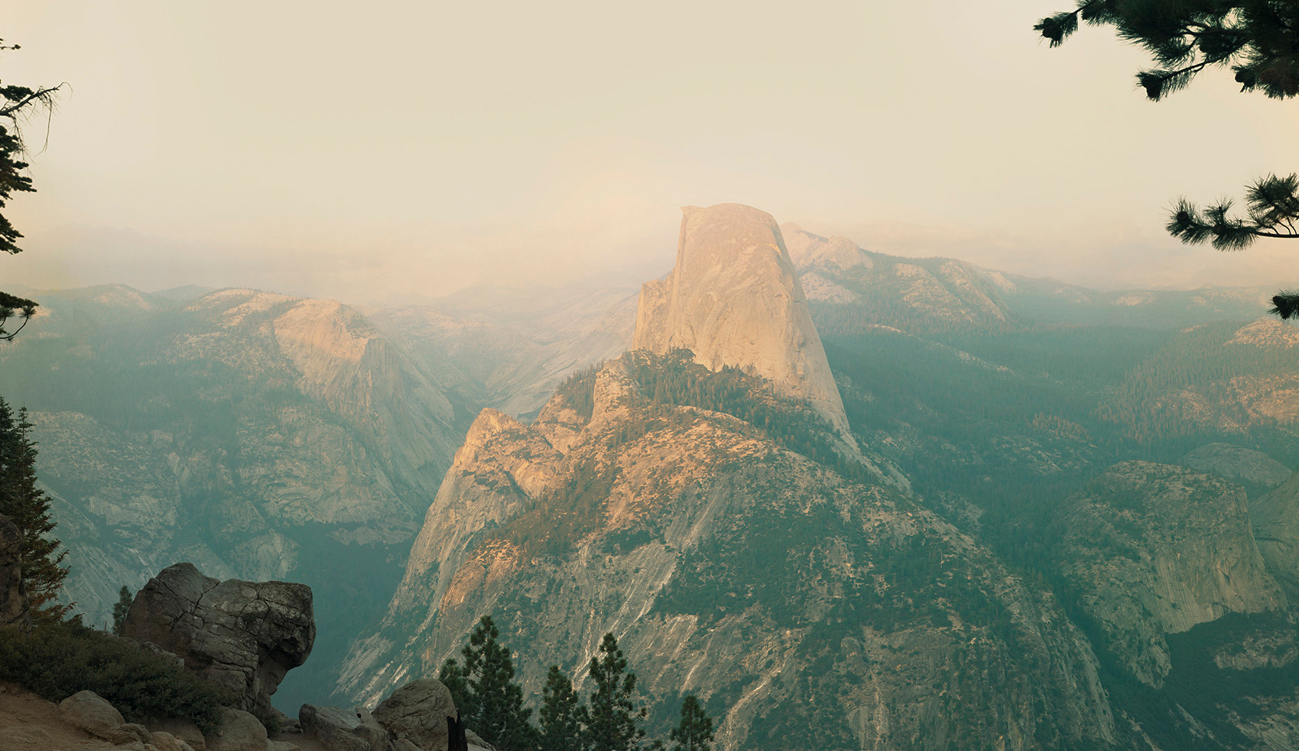 Richard Misrach, Yosemite in smog, 1988