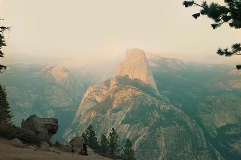 Richard Misrach, Yosemite in smog, 1988