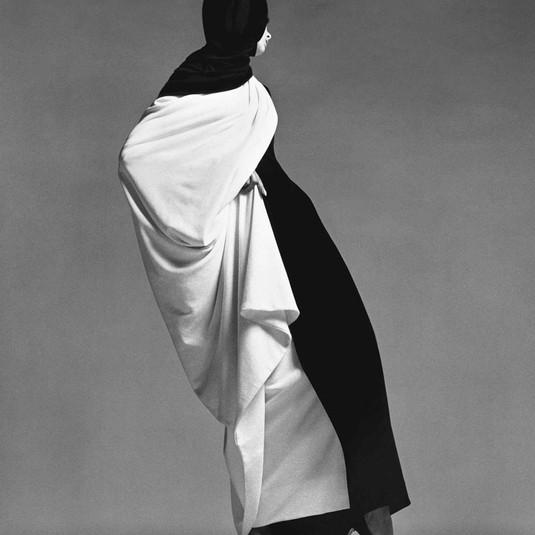 Richard Avedon, Jean Shrimpton, Toga by Forquet, Paris studio, August 1965