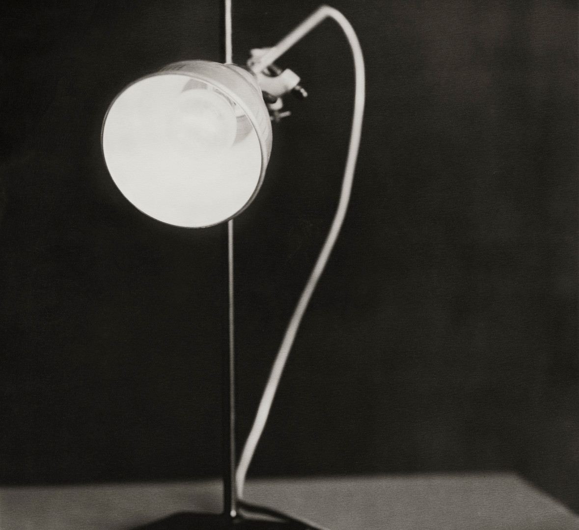 Paolo Roversi, Lamp, Paris, 2006