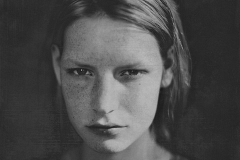 Paolo Roversi, Kirsten Crying, Paris, 1990