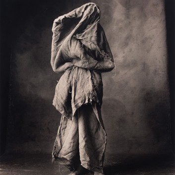 Irving Penn, Woman in a Burlap Sack, New York, 2007