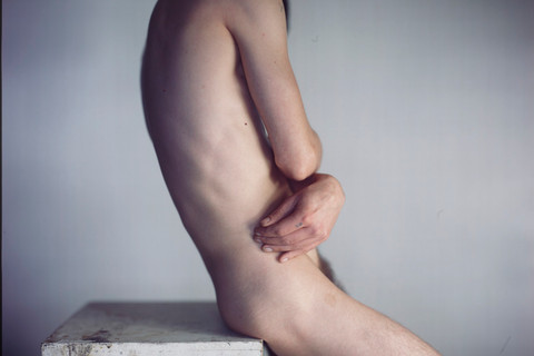 Richard Learoyd, Headless Man with Mirror, 2016
