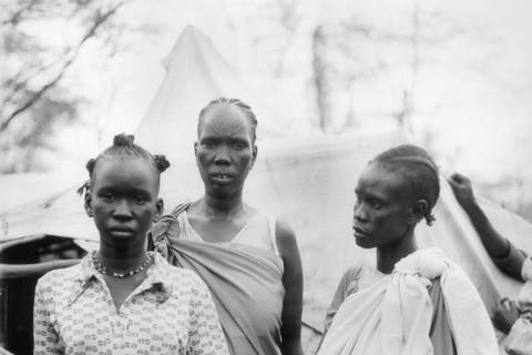 Fazal Sheikh, Akuot Nyibol with Riak Wrabek and Athok Duom, 1992/93