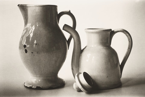 Irving Penn, Pitcher and Teapot (A), New York, 2007