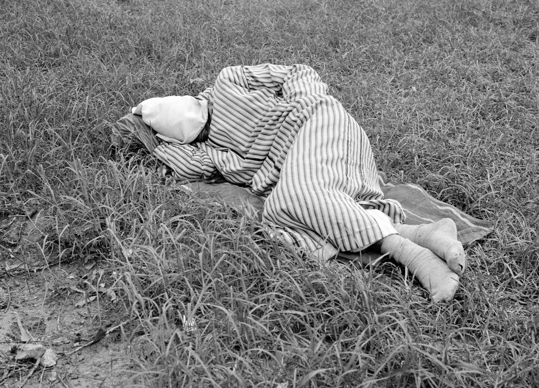 Yto Barrada, Dormeurs (The Sleepers), Tangier, Fig. 3, 2006