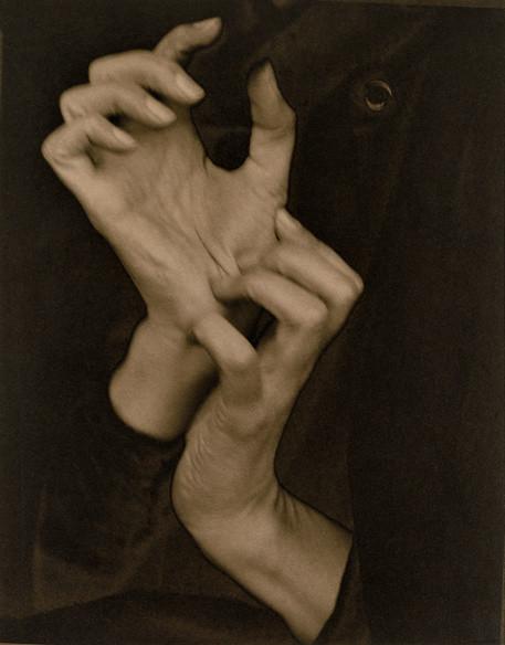 Alfred Stieglitz (1864-1946), Georgia O'Keeffe - Hands, 1919