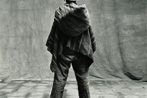 Irving Penn, Standing Man (Back View) Wearing One Sandal, Cuzco, 1948