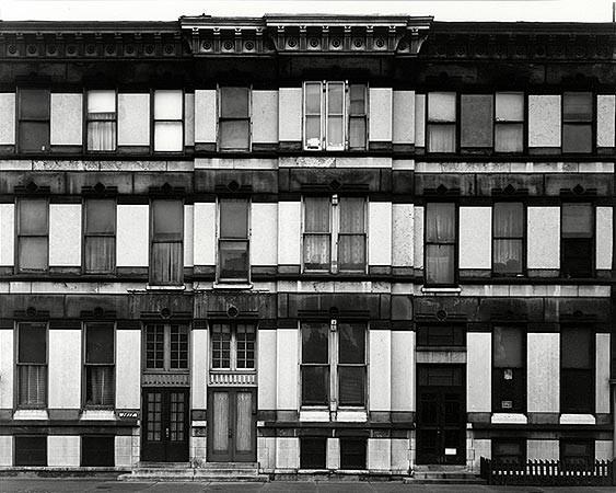 Harry Callahan, Dearborn Street, Chicago, 1948