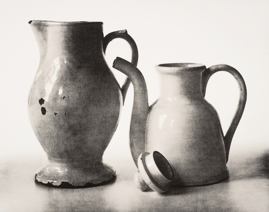 Irving Penn, Pitcher and Teapot (B), New York, 2007
