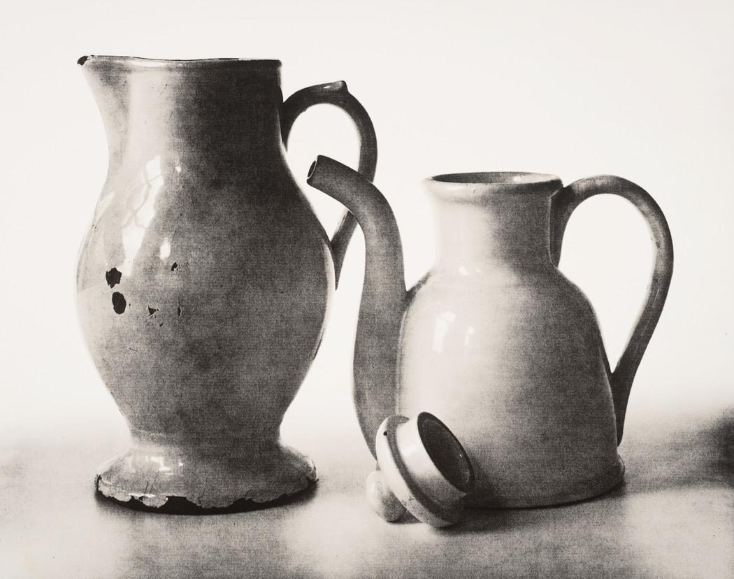 Irving Penn, Pitcher and Teapot (B), New York, 2007