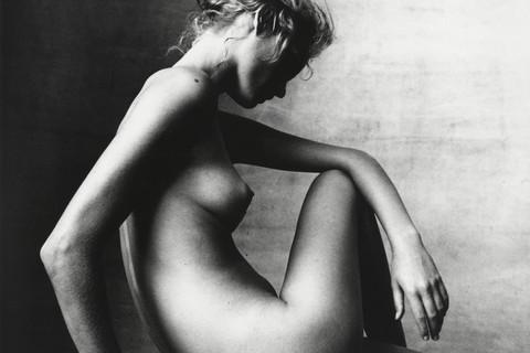 Irving Penn, Amber Valletta (C), New York, 1996