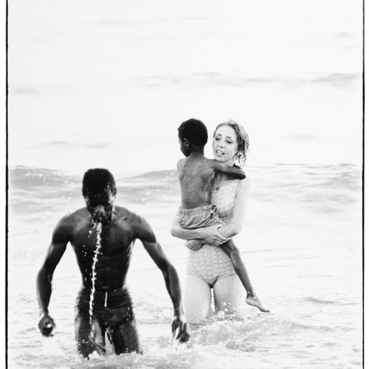 Richard Avedon, Santa Monica Beach #9, September 30, 1963